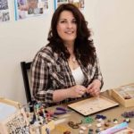 eva-photo-jewellery-maker-at-work-220x220
